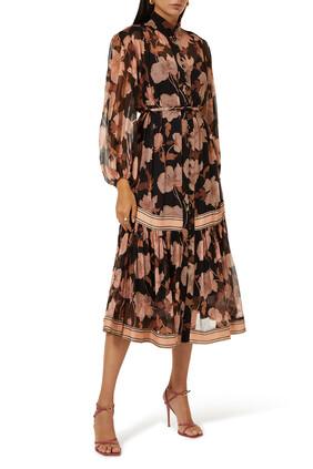 فستان متوسط الطول بنقشة زهور الفاوانيا