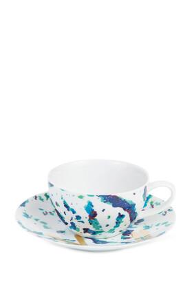 فنجان شاي وطبق فيروز