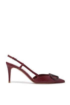حذاء كلاسيك مفتوح من الخلف بشعار الماركة