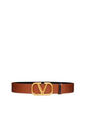 حزام جلد بشعار V