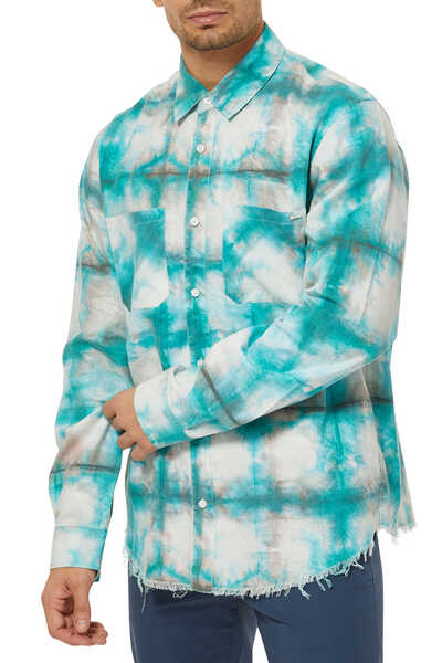 قميص بنقشة مربعات بألوان مائية