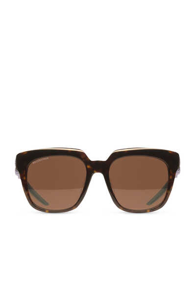 نظارة شمسية هايبرد بإطار على شكل حرف D