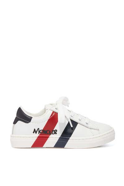 حذاء سنيكرز كلاسيكي مخطط بشعار الماركة