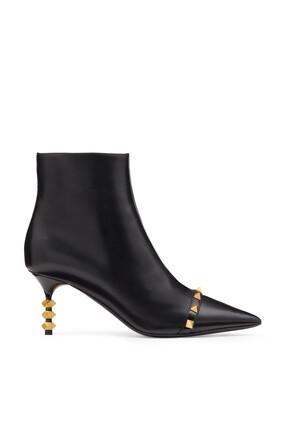 حذاء بوت فالنتينو غارافاني جلد بحلي هرمية