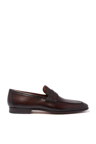 حذاء كلاسيكي سهل الارتداء بشريط بيني