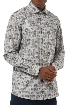قميص بنقشة طوابع بريد