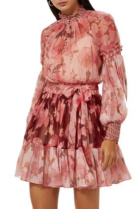 فستان كونسرت قصير مقسم لأجزاء بأكمام منفوخة