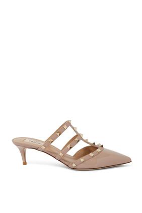 حذاء جلد مفتوح من الخلف بحلي هرمية