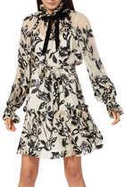 فستان ليدي بيتل واسع وقصير