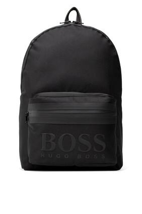 حقيبة ظهر بشعار الماركة سوداء