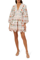 فستان برايتون بفتحة رقبة عميقة