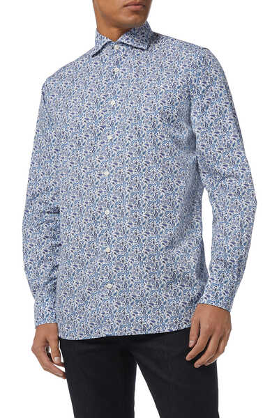 قميص بقصة عصرية مزين بنقشة بيزلي