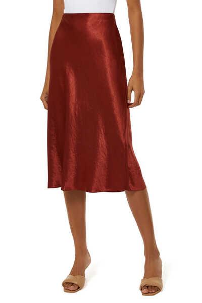 تنورة ستان بتصميم سهل الارتداء
