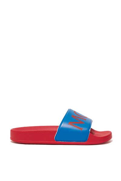 حذاء مفتوح بطبعة شعار الماركة
