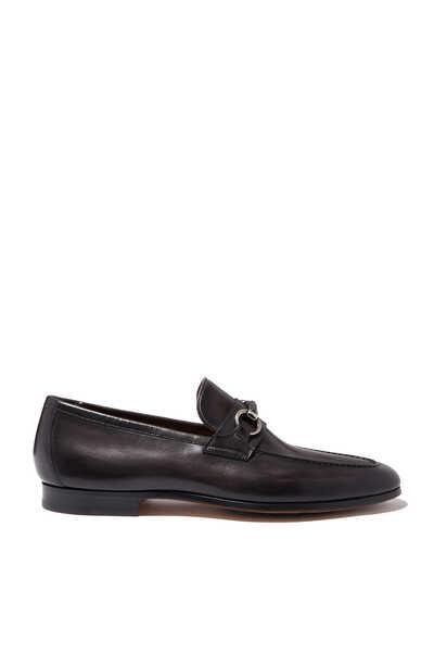 حذاء سهل الارتداء جلد بحلية على شكل لجام